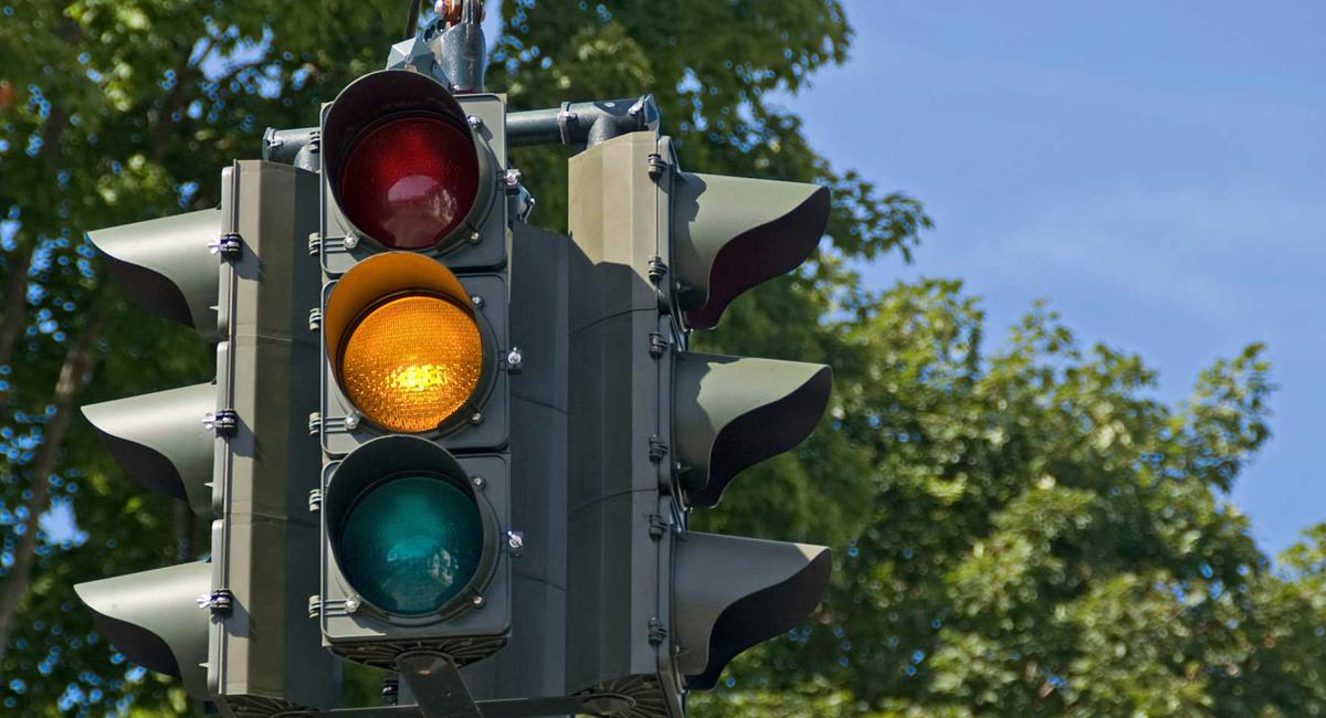 Intelligent Traffic Management System for Random Services
